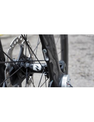 Preload on the carbon fibre leaf springs is easily adjusted by the single Allen-head bolts