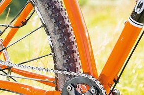 Using a thin plate rather than tubular chainstay to give maximum tyre clearance isn't a new idea but it's simply effective