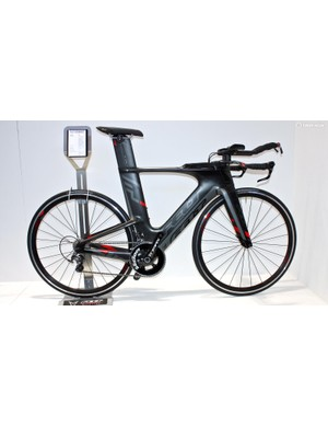 Felt's Ironman World Championship-winning, non-UCI legal IA has a full range this year, the entry-level IA 4 coming with Ultegra and Felt TTR3 wheels