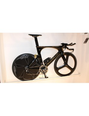 The Pinarello Bolide is Chris Froome's time-trial machine of choice and was shown in this gold and black paint scheme at Eurobike