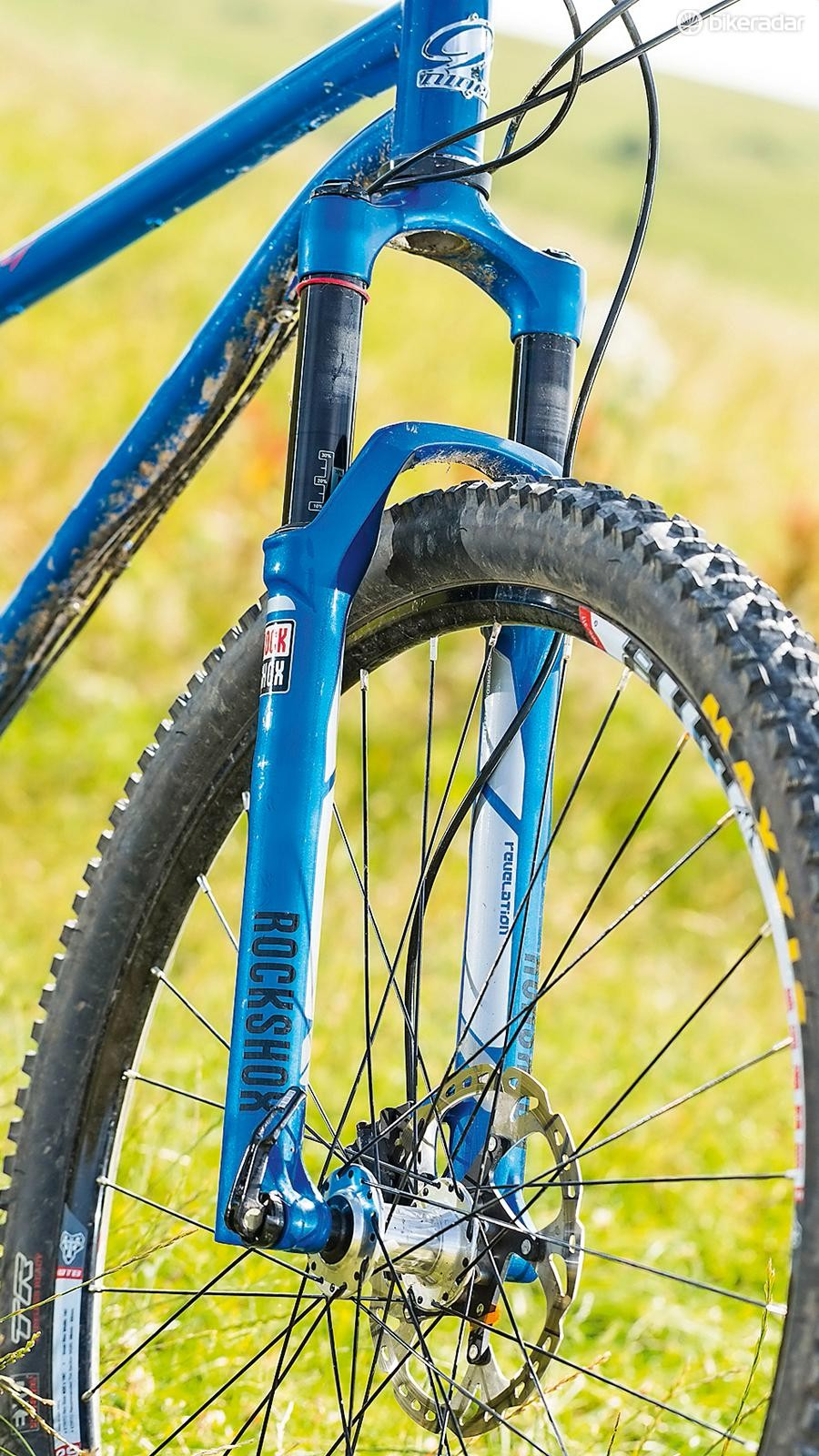 RockShox' Revelation fork twinned with a 67-degree head angle means you can go barrelling into dicey corners and emerge unscathed