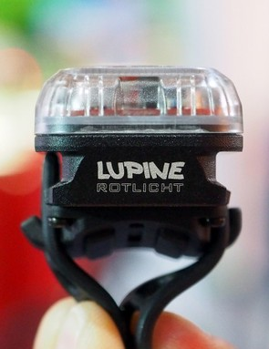 For now, the Lupine Rotlicht only attaches via the handy rubber strap but the shape of its aluminum housing will eventually be used for other mount types, too