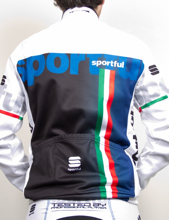 The fit and construction of the Bodyfit Pro Windstopper Jacket Fit is the same that is used by Tinkoff Saxo