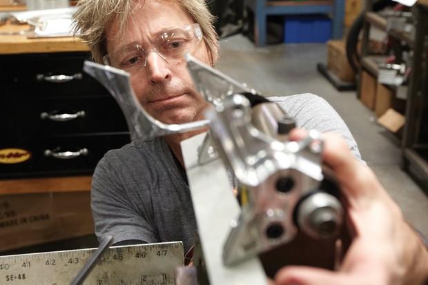 Intense's Jeff Steber checks the alignment of Doddy's custom frame