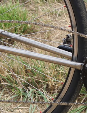 Some violent vertical jarring causes the chain to jump —most noticeably above —but the CX1 derailleur pulls back on the chain so firmly that it won't fall off