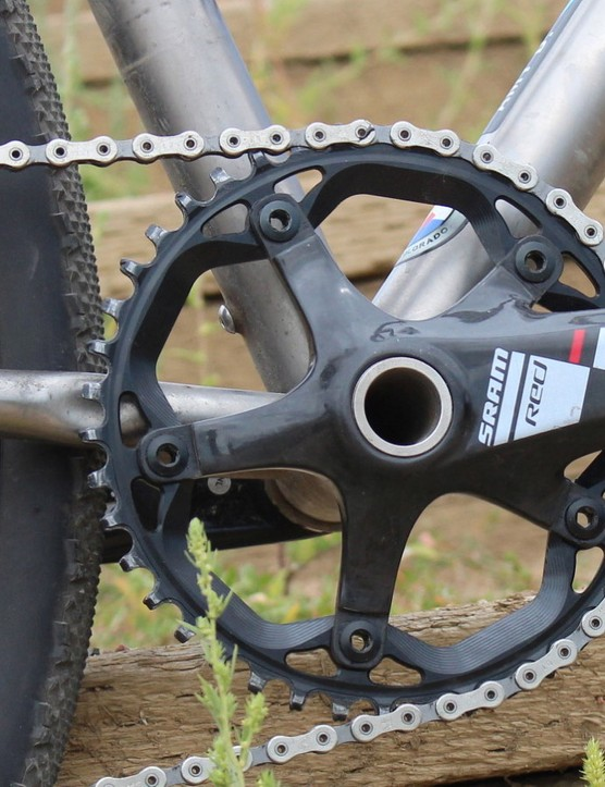 Combining the relatively tall 42t ring with the CX1 clutch resulted in zero chainslap