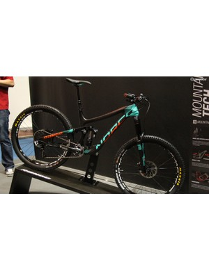 The 160mm travel Norco Range remains unchanged for 2015, save for a new paint scheme