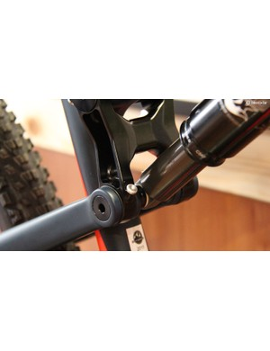 The pivots on the 2015 Thunderbolt feature greaseports for years of creak-free riding