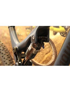 Only the carbon Thunderbolts get Rocky Mountain's Ride 9 adjustable geometry chip system, located in the upper shock mount