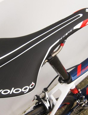 The IAM Cycling pro team is sponsored by Prologo, so the Team Issue gets one of their saddles