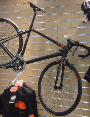 The Addict SL is the lightest bike Scott makes, weighing a claimed 5.86kg