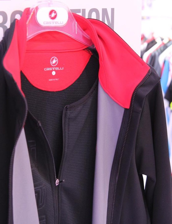 The Castelli Alpha Jacket uses Windstopper 150 for stretchable performance, plus an intergrated liner with a zipper