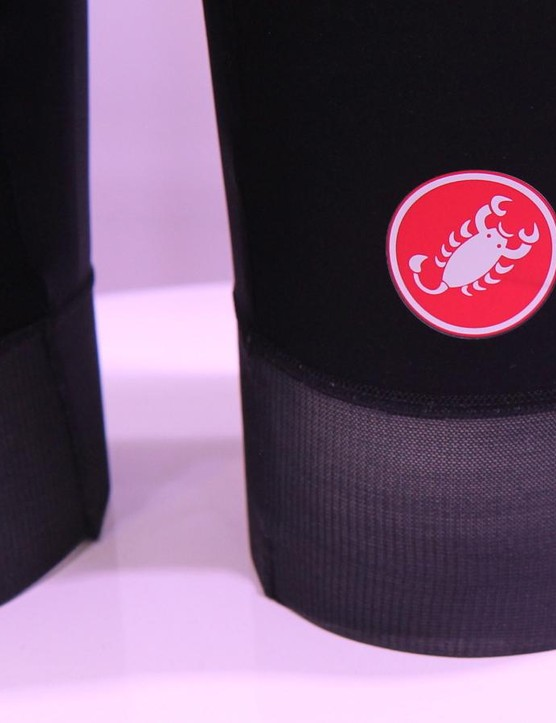 The Free Aero Race bib has wider, thinner and, Castelli claims, more aero leg grippers