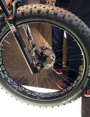 Given DT Swiss's usual naming conventions, the new BR 2250 Classic fat bike wheels should come in somewhere around 2.25kg per set