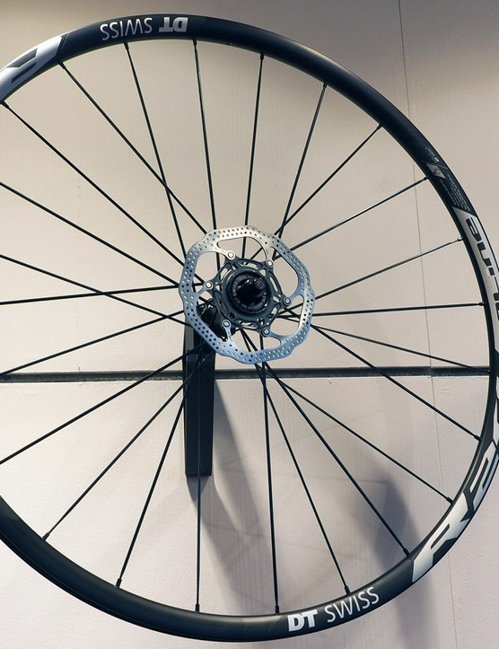 DT Swiss is jumping headfirst into the road disc brake market with a number of new wheels. The new 1,775 R 24 Spline db wheelset features an 18mm inner rim width, tubeless compatibility, and thru-axle fitment options