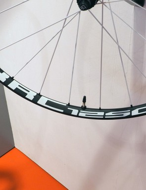 The DT Swiss XRC 1250 Spline mountain bike race wheels range between 1,360g for the 27.5in size and 1,475g for the 29ers courtesy of 21.5mm-wide (internal measurement) carbon fibre rims