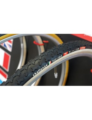 Challenge's new Baby Limus tyre looks to be an excellent all-rounder with tall and well-supported cornering knobs like the standard Limus but a half-height and tightly packed center tread that should roll much faster, especially on harder surfaces