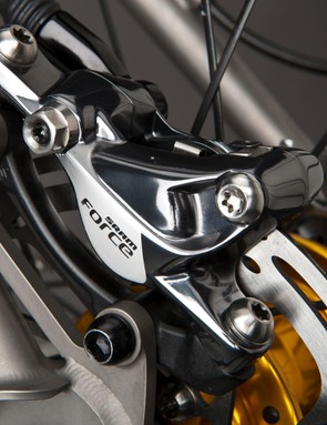 The Force caliper is almost identical to the Red version in both aesthetics and performance