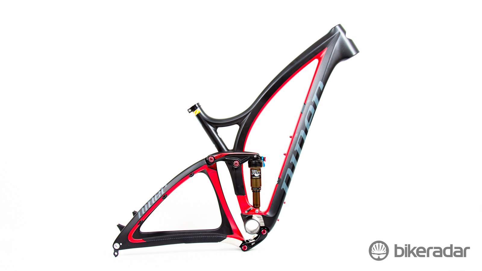 The Niner Jet 9 RDO features a new carbon layup and manufacturing technique