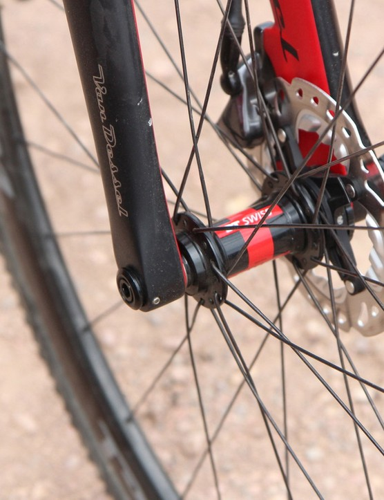 Van Dessel founder Edwin Bull uses Shimano-style inserts on the thru-axle up front