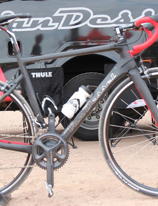 The Van Dessel Motivus Maximus can be configured for 130, 135 or 142mm rear hubs, and comes with either a quick-release fork or a thru-axle fork