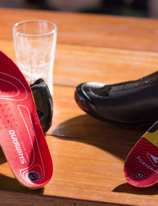 Custom fit insoles feature in the R321, while the R171 recieves a more basic foot bed