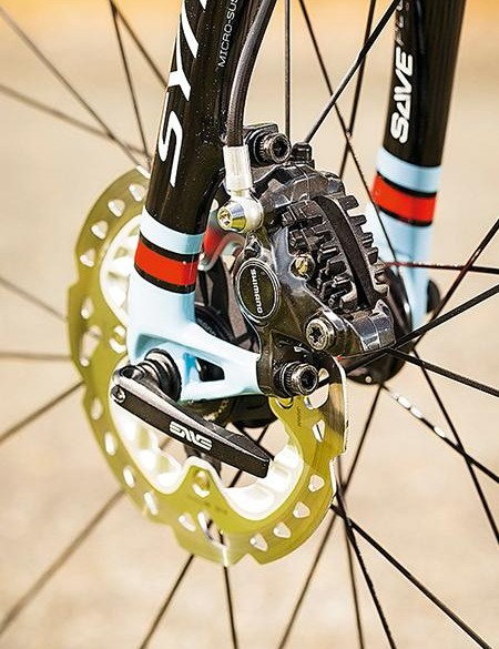 Shimano's hydraulic setup offers superb braking