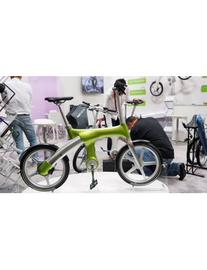 The Mando Footloose IM is one of the more stylish e-bikes we've seen but it's also packing some really clever technology