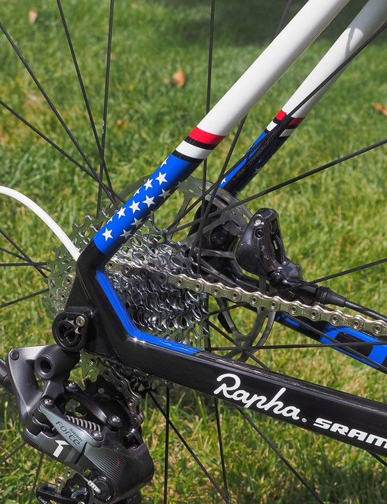 The meaty carbon fibre dropouts use a tubular construction all the way from the chain stays through to the seat stays