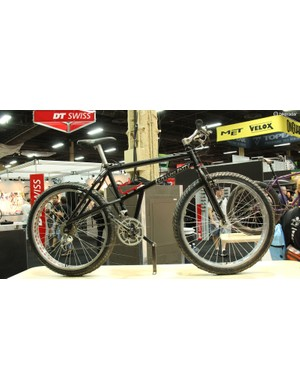 This Remolino Fatty was shown at Interbike in 1999, though the history of the fat bike stretches back into the 1980s