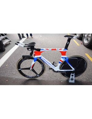 Bradley Wiggins rode his custom painted Pinarello Bolide to victory at the Tour of Britain time trial in London