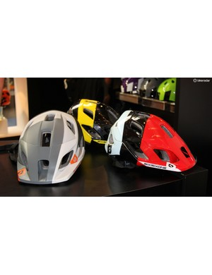 The recently-introduced Evo AM helmet by 661 gets new colourschemes for 2015. The Evo AM is available with and without the MIPS system