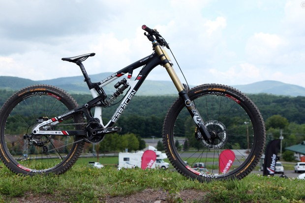 Manon Carpenter (Madison Saracen) captured both the overall UCI World Cup title and the UCI World Championship on Saracen's new 27.5in-wheeled Myst Team Issue