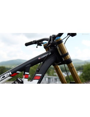 Manon Carpenter (Madison Saracen) attacked the World Championship course in Norway aboard a brand-new, custom painted version of the bike shown here