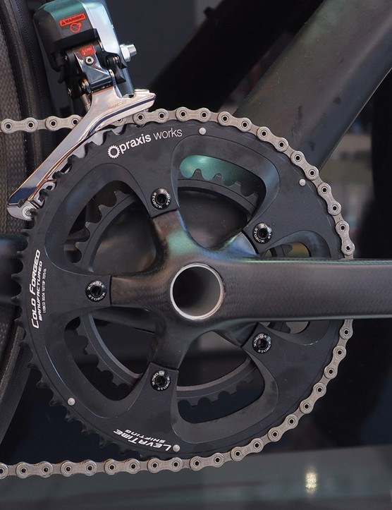 The signature-edition Storck Aernario will also come with the latest Powerarms carbon fiber crankarms, fitted with Praxis chainrings