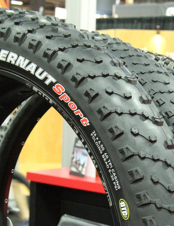 The Kenda Juggernaut is the company's first foray into fat bike tyres. The Juggernaut comes in folding and wire bead versions in 26x4in and 26x4.5in sizes