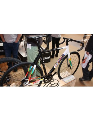 Cinelli's Vigorelli is a track bike that doubles as an urban cruiser, complete with old-school 3D effect logo for £949.99