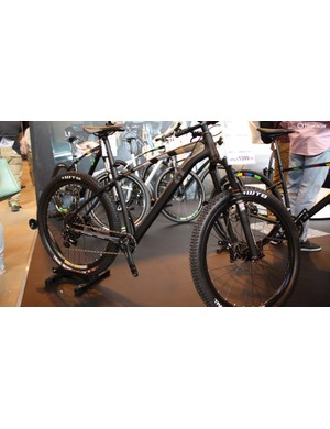 The brand also had its new trail hardtails on display including the range topping SRAM X1 equipped Incline Delta