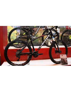 The 2015 Vitus Sentier 275 VRS – sorted geometry, tough finishing kit and it's only £1,049.99