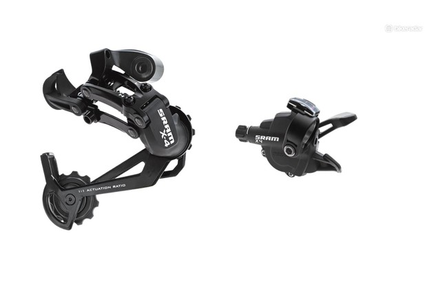 Just like SRAM X3 , X4 also isn't a true groupset. With just a shifter set and rear derailleur on offer, it's normal to see other brands mixed in with SRAM X4 parts