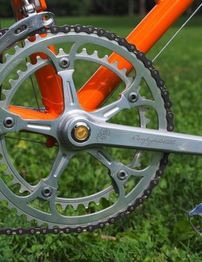 The matching crankset was given similar treatment, with specially etched chainrings and crankarms plus dedicated dust caps adorned with a gold winged logo