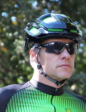 Smith claims the Overtake is competitive in terms of aerodynamics drag with the likes of the Specialized Evade and the Giro Air Attack. Given that very little air goes into the helmet, we find this claim plausible