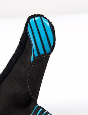 The thumb, index and middle fingers get silicone grippers