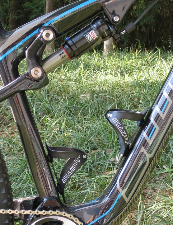 The rear shock is mounted to a raised top tube to provide room for a seat tube mounted bottle - although it appears to come at the cost of standover height