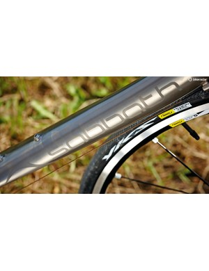 The down tube has a large diameter and a gentle S-bend profile