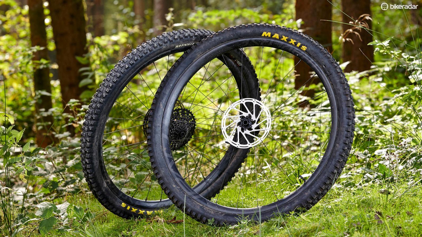 Roval Traverse Fattie SL wheelset