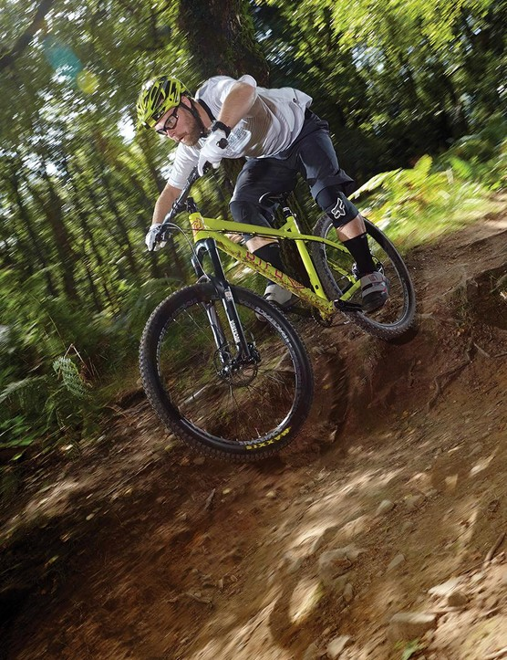Low weight andimpressive stiffness give a punchy and agile edge on the trail