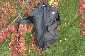 The Castelli Alpha Wind Jersey FZ lines the front and sleeves with Windstopper 150 fabric