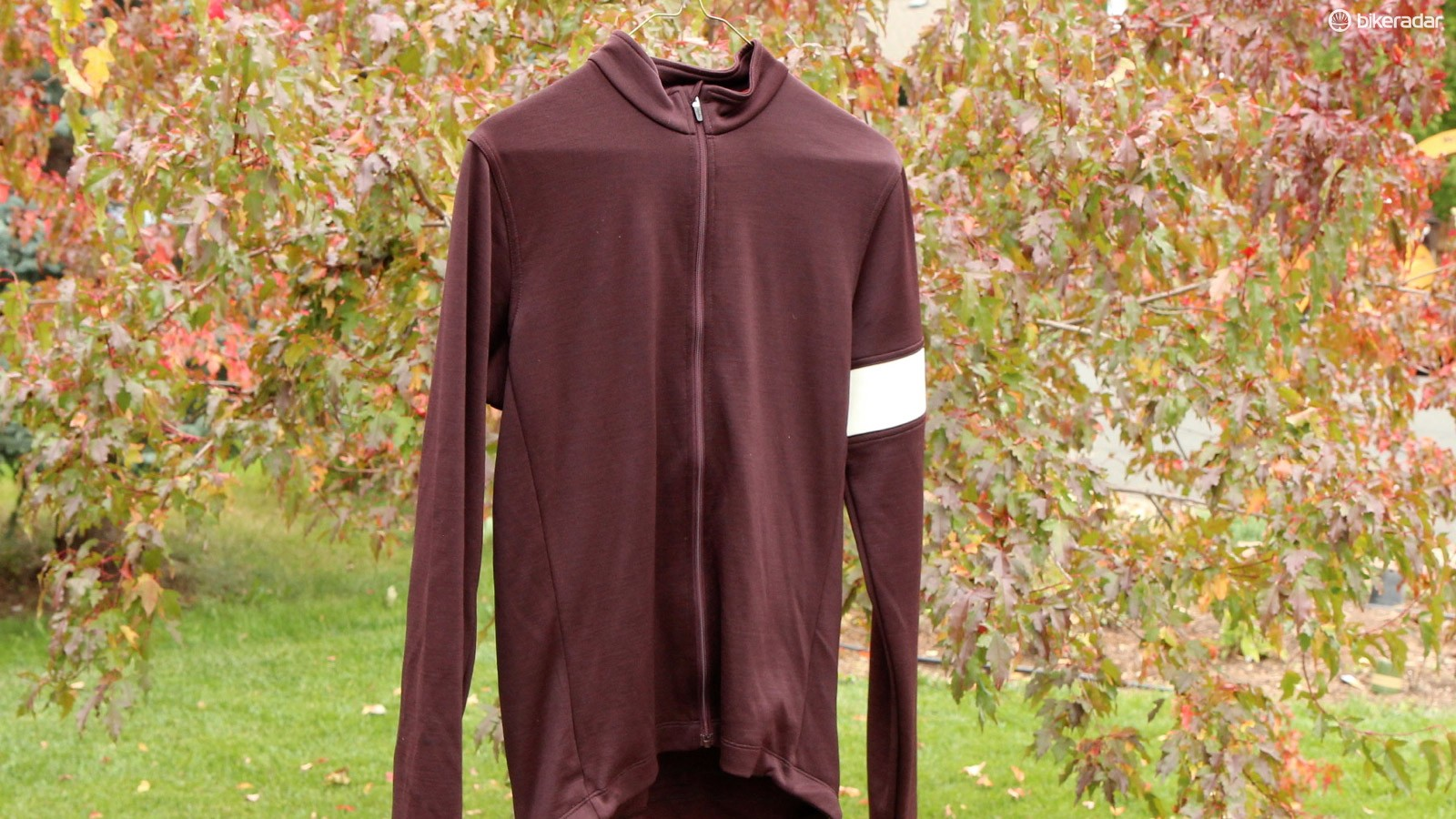 Rapha's Long Sleeve jersey doesn't come in this color this year, but the style and Sportwool construction carry over
