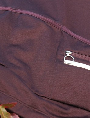 The rear pockets are internally supported so they don't sag, despite the material's stretchy properties